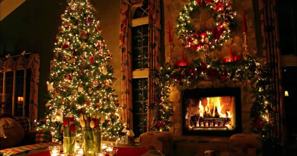 Fireplace Christmas Music.Enjoy 2 Hours Of Classic Christmas Music With A Fireplace