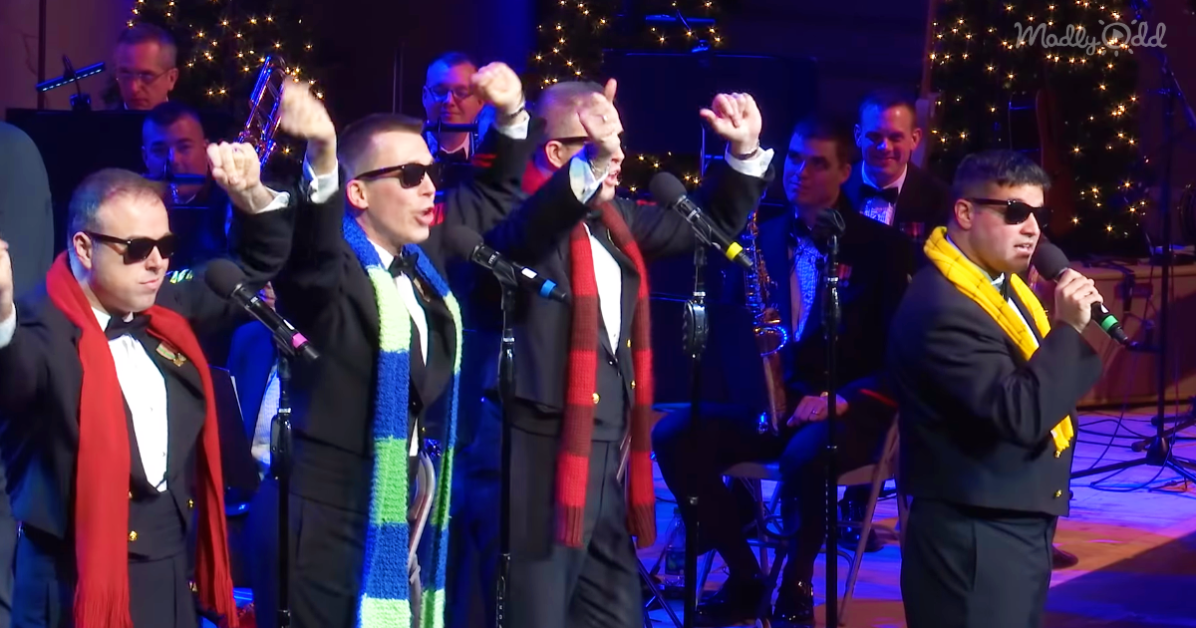 US Navy Band Sings Christmas Music