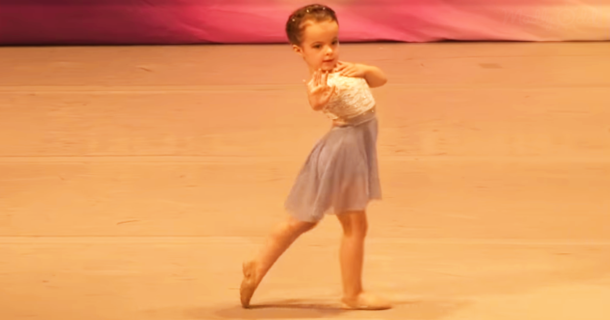 Ella, Dancer on stage