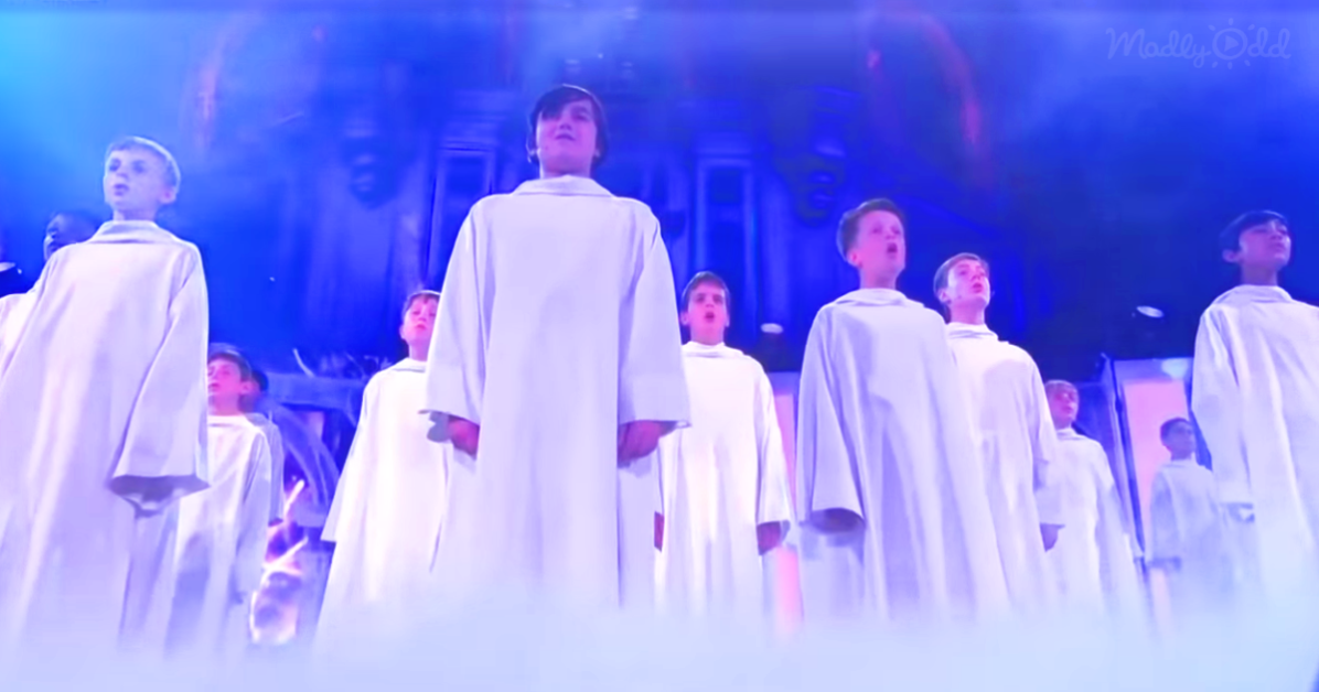 Libera Boys Choir in white robes