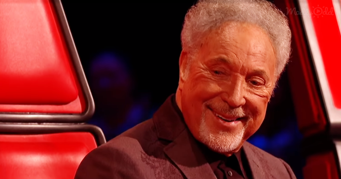 Tom Jones and Jennifer Hudson