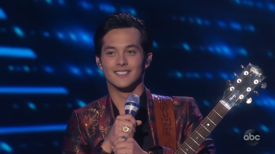 Laine Hardy Sings _Oo-De-Lally_ from Robin Hood – Disney Night – American Idol 2019 on ABC 2-43 screenshot
