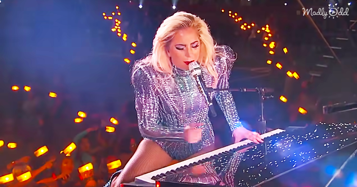 46236-OG3-Lady-Gaga-Shows-How-it's-Done-at-The-Super-Bowl-XI-Half-Time-Show