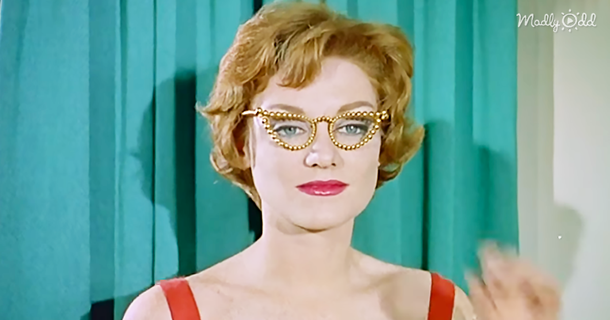 31574-OG2-In-the-1950s-Spectacles-Were-All-the-Rage-in-Fashion-Would-You-Wear-These-Today