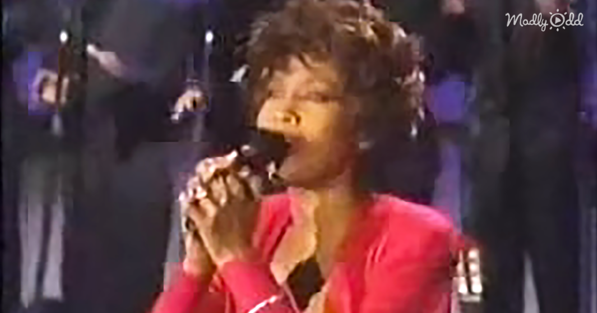 """Do You Hear What I Hear'' By Whitney Houston"