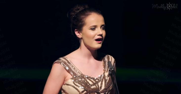 Amira Willighagen emotionally sings 'I'll Walk With God'